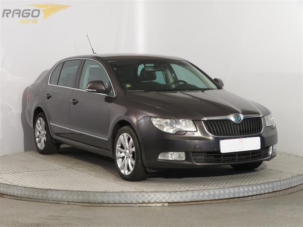Škoda Superb 2.0 TDI Sedan, rok 2009