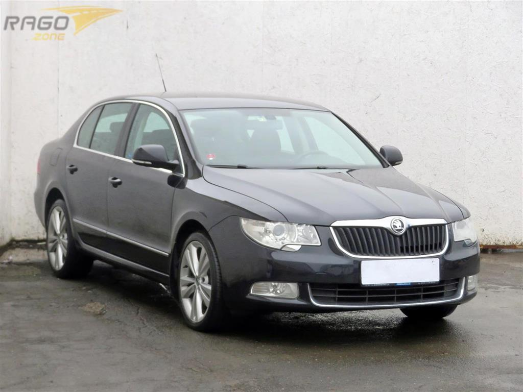 Škoda Superb 2.0 TDI Sedan, rok 2010