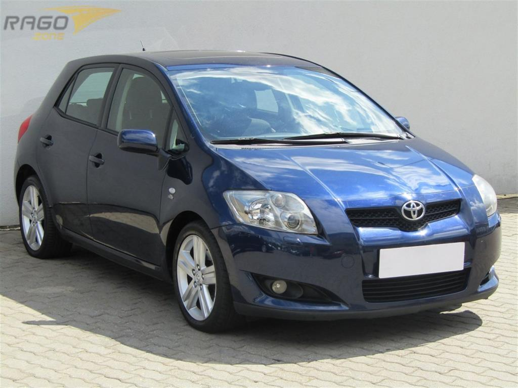 Toyota Auris  2.2D-CAT, rok 2007