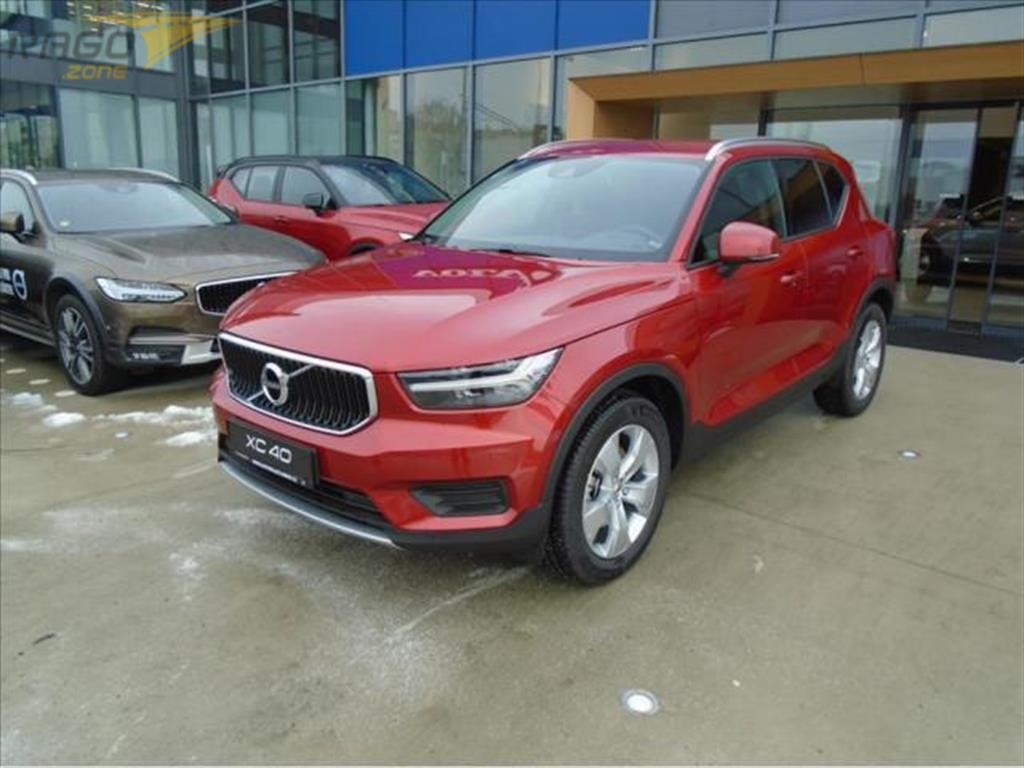 Volvo XC40 2,0   B4 AWD MOMENTUM PRO 8AT Terenní vozidlo / SUV